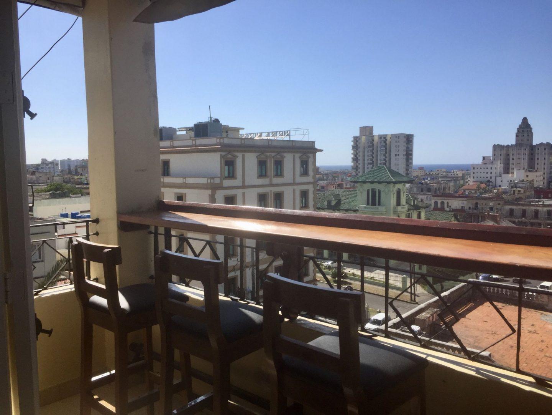 Belle vue sur le quartier de Vedado au Paladar Cafe Laurent Habana